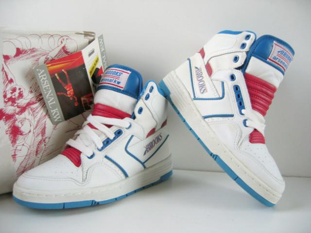running shoes online shop info for BROOKS - SOLESEEK